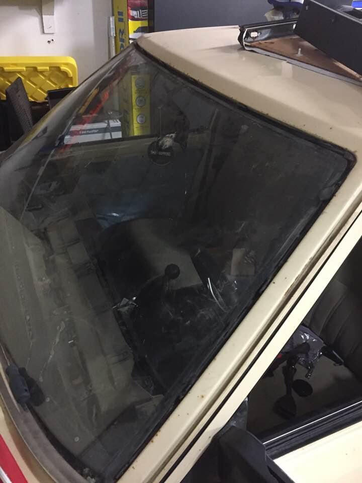 windshield.jpg.2267794bb1dcc3158f2ffbb174ed27c8.jpg