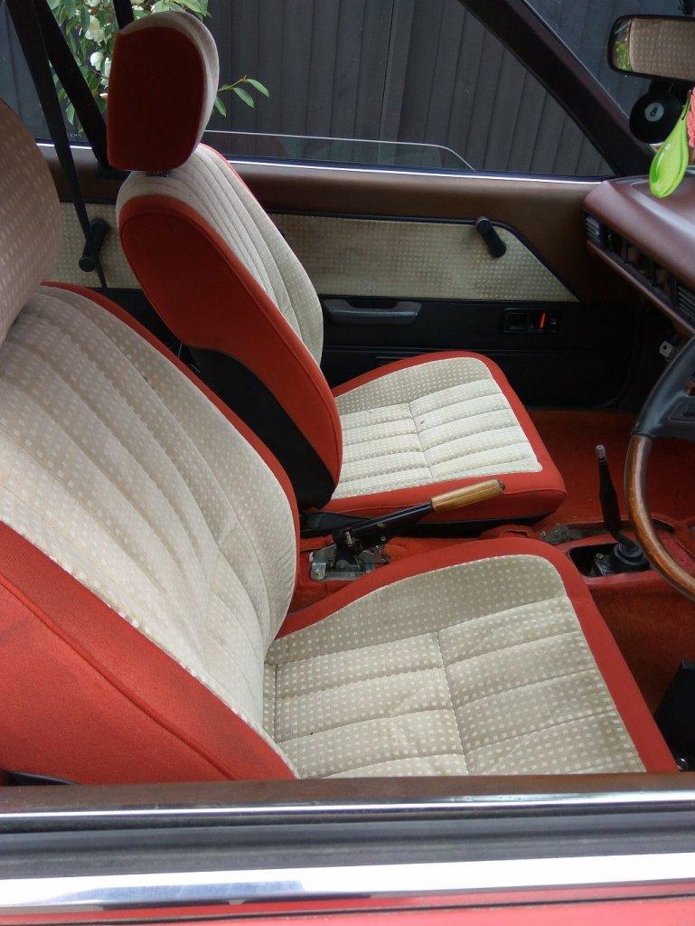 seat.thumb.jpg.433196103eb7ad717922e807d30a7a4a.jpg