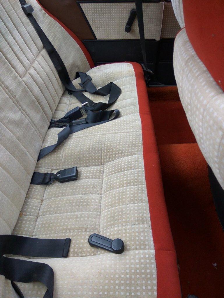 seat2.thumb.jpg.0caf16d4aca18357e39c8aae3cdbc23f.jpg