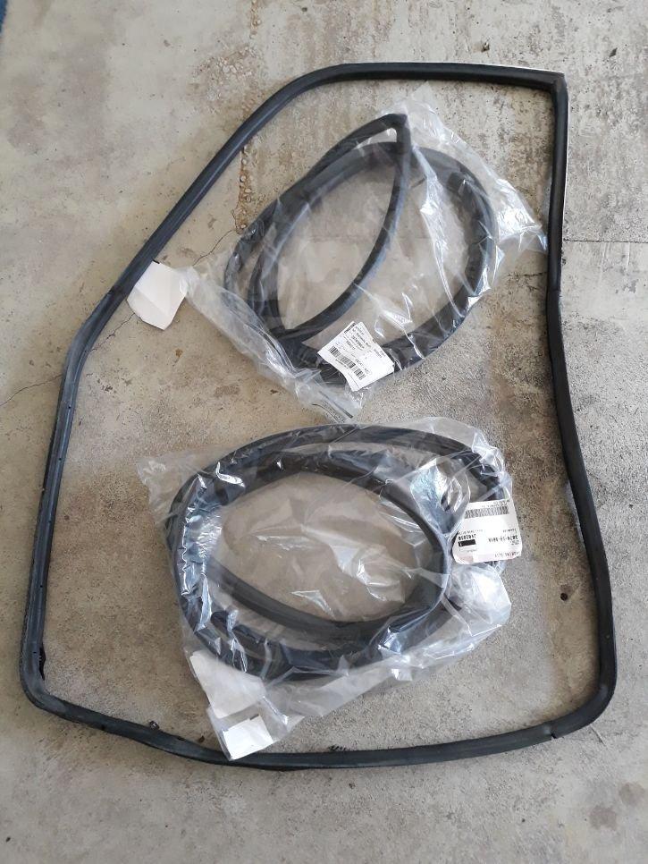 b1600 rubbers.jpg